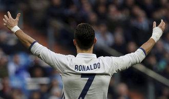 Real, Barcelona, Manchester. Fotbalová superkluby mají třikrát víc peněz než ostatní