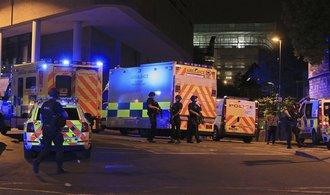 Policie: Atentát v manchesterské hale si vyžádal 22 mrtvých