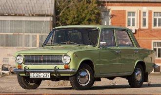 Jak se kupovala auta v Sov�tsk�m svazu? Z�jemci museli �ekat a� osm let