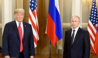 Trump vypadal vedle Putina ponížený a slabý, kritizují americká média