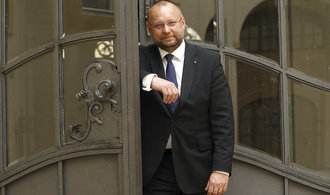 ANO ideově vykrádá ostatní strany, říká šéf lidoveckých poslanců Bartošek
