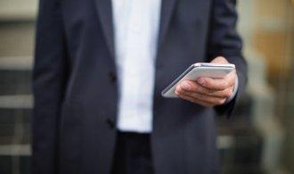 Za mobilní data dávají nejvíce nejchudší