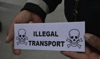 Taxikáři chtějí, aby Krnáčová zastavila Uber. Žádnou schůzku si ale nesjednali