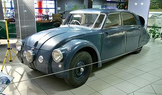 První aerodynamické auto Tatra T77 se inspirovalo výrobou válečných letadel