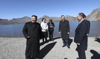 """Lídři Severní a Jižní Koreje společně vystoupili na """"posvátnou"""" horu Pektu"""