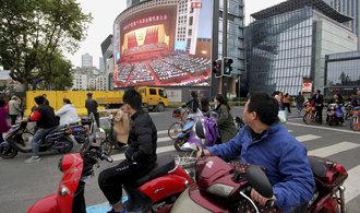 Čínští komunisté odstartovali sjezd strany. Prezident Si Ťin-pching vyzdvihl boj proti korupci
