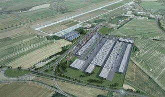 Přímo u mošnovského letiště roste obří sklad
