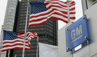 Zisk automobilky General Motors klesl o téměř 60 procent, přesto překonal očekávání