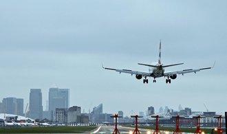 Lond�nsk� leti�t� bylo evakuov�no, d�vodem je chemick� incident