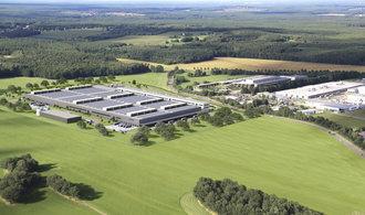 Daimler začal u českých hranic stavět továrnu na baterie