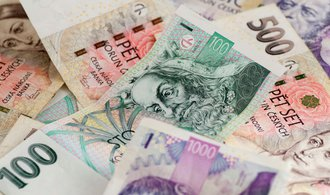 Stát vydělal na záporných úrocích, refinancování dluhu však přijde draho