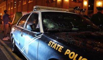 Na masopustu v New Orleans najel opilý muž autem do davu lidí, 28 jich zranil