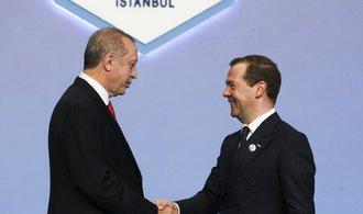 Vše zapomenuto, Rusko a Turecko zrušily sankce za sestřelenou stíhačku