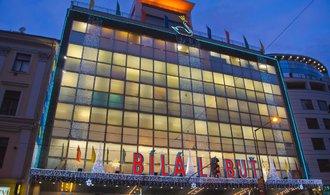 Největší a nejmodernější obchodní dům ve střední a východní Evropě. Bílá labuť slaví osmdesátiny