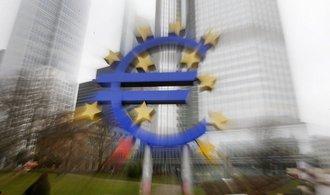 Evropané si půjčují ostošest, objem půjček rekordně roste