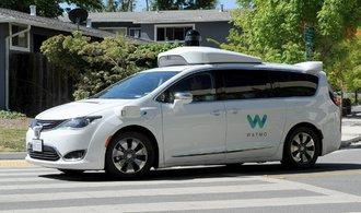 Bloomberg: První komerční robotaxi na světě má Waymo spustit už příští měsíc