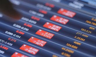 Obavy z obchodní války stáhly evropské akcie na roční minimum