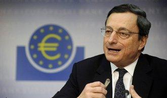Draghi: Eurozóna se pořád ještě neobejde bez levných úvěrů