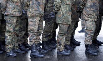 Německou armádu trápí nedostatek vojáků, chce rekrutovat i cizince