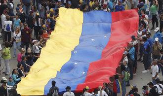 Trump: Uznávám vůdce opozice Guaida úřadujícím prezidentem Venezuely
