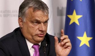 Orb�n znovu pohrozil Bruselu soudem kv�li migra�n�m kv�t�m. Za�t�til se neplatn�m referendem
