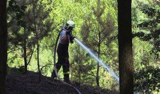 Na Plzeňsku hoří les, je vyhlášený nejvyšší stupeň pohotovosti