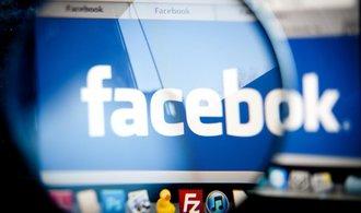 Skandál se zneužitím dat umazal z hodnoty Facebooku téměř bilion