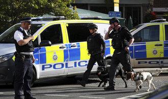 Britská policie obvinila údajného pachatele z pumového útoku v metru