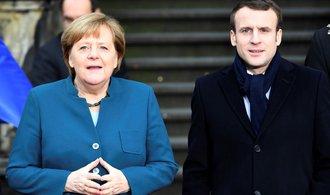 Francouzsko-německý motor EU se vrací na scénu. Merkelová a Macron podepsali smlouvu o spolupráci