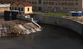 Sucho odsává vodu zmalých elektráren, jejich produkce je hluboko pod dlouhodobým průměrem