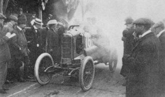 Historické závodní vozy. Podívejte se do prehistorie motosportu