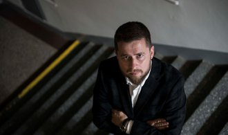 Ekonomice by prospělo opatrné zvýšení úrokových sazeb, říká člen bankovní rady Aleš Michl