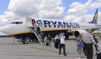 Ryanair zvýšil zisk po zdanění o deset procent, své ceny chce zachovat