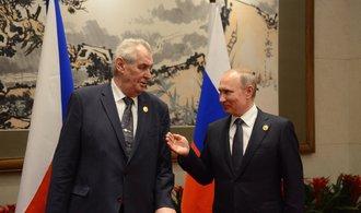 Putin mě pozval do Soči, libuje si Zeman
