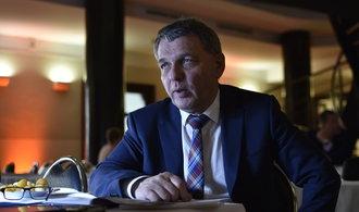 Vztahy mezi Českem a Británií mají zůstat úzké, shodli se Zaorálek s Davisem