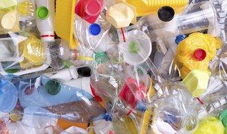 Zálohy na PET lahve? Nápojáři nápad neodmítají, mají ale pochyby o financování