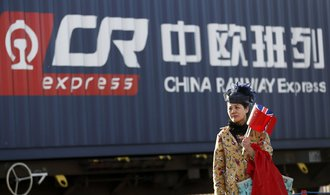 Čínská ekonomika zrychlila, pohánějí ji rekordní půjčky od bank