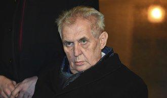 Dílo šílence s vylízaným mozkem, řekl Zeman k ruskému článku o vděčnosti za sovětskou invazi