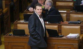 Policie žádá Sněmovnu o vydání komunisty Ondráčka