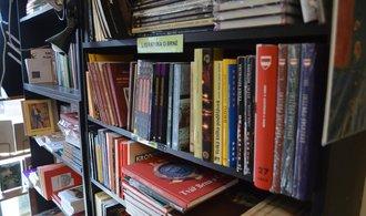 Nezájem čtenářů potápí trh s elektronickými knihami, lidé utrácí za tištěnou verzi
