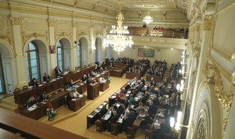Opozice ztrhala rozpočet kvůli nízkým investicím