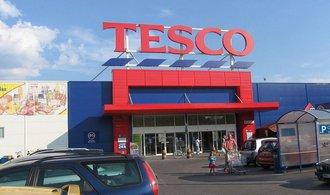 Společnost Tesco se v Česku loni dostala do ztráty přesahující miliardu korun