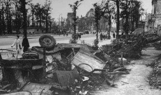 Jak vypadá prohraná válka? Podívejte se na záběry z Berlína