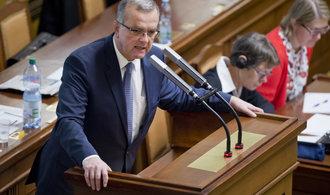 Změna v čele ministerstva financí nic nezmění, dál ho povede Babiš, tvrdí Kalousek