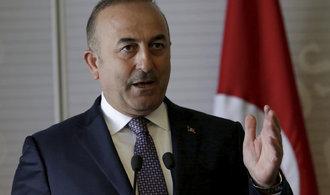Zástupci Evropské komise se sešli s protějšky z Ankary. Vzájemné napětí nepolevuje