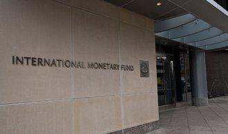 Světová ekonomika poroste téměř čtyřprocentním tempem, odhaduje Mezinárodní měnový fond