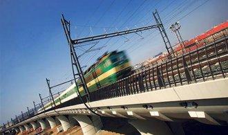 Boj mezi železničními projektanty komplikuje zakázky