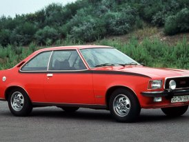 Opel Commodore: Šestiválcový Rekord