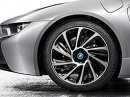 BMW začne do dvou let vyrábět karbonové ráfky