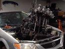 Šílenci dali do Mazdy motor ze sekačky. Jak myslíte, že to dopadlo?